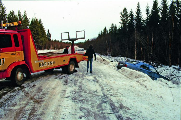 frank_werner_mohn_february_1989_crash_2-696x461.jpg