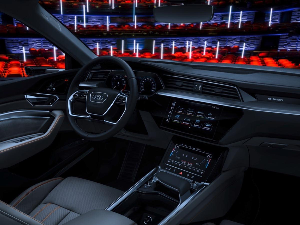 Audi E-tron carviser